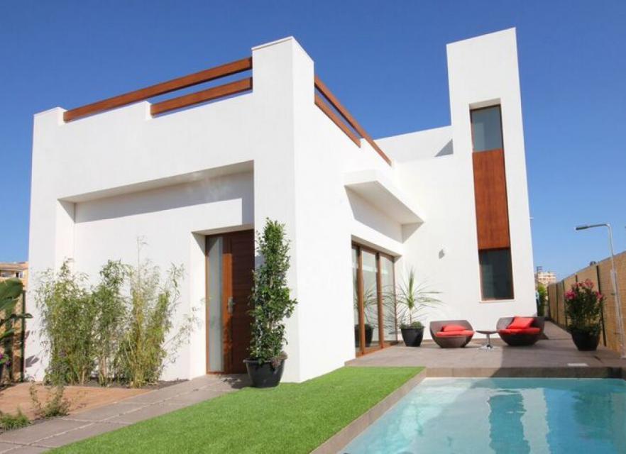 Modernas villas independientes rodeadas de todos los servicios - Keysol Property S.L.